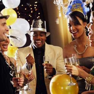 Couples-New-Years-at-party.jpg