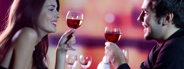 Couple-flirting-toasting-wine.jpg